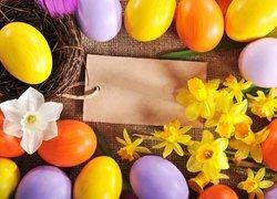 Wielkanoc, Pisanki, Gniazdo, Żonkile, Karteczka