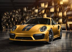 Porsche 911 Turbo S Exclusive Series przodem