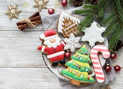 Świąteczne, Ciasteczka, Talerz, Bombki, Gałązki, Deski