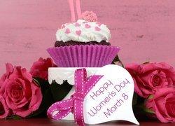 Babeczka, Krem, Róże, Życzenia, Dzień Kobiet